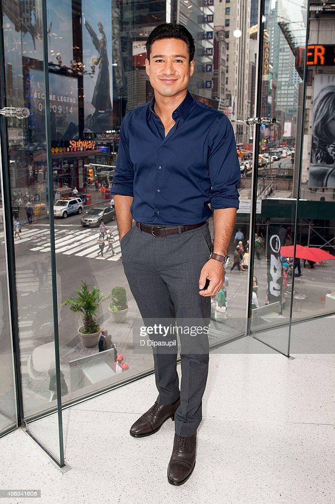Mario Lopez hosts 'Extra' at their New York studios at HM in Times Square on September 29 2014 in New York City