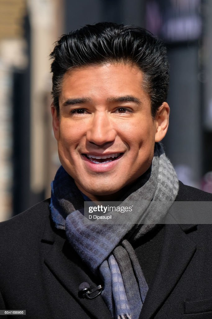 Mario Lopez hosts 'Extra' at their New York studios at the Hard Rock Cafe in Times Square on March 16, 2017 in New York City.