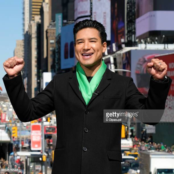 Mario Lopez hosts 'Extra' at their New York studios at the Hard Rock Cafe in Times Square on March 17 2017 in New York City