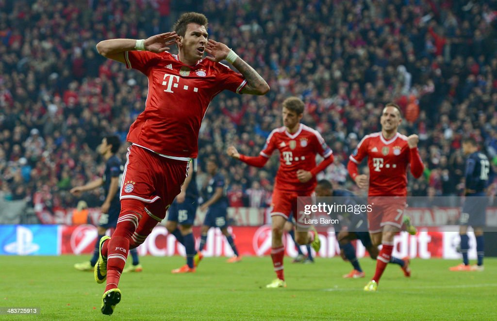 <a gi-track='captionPersonalityLinkClicked' href=/galleries/search?phrase=Mario+Mandzukic&family=editorial&specificpeople=4476149 ng-click='$event.stopPropagation()'>Mario Mandzukic</a> of Bayern Muenchen celebrates his goal during the UEFA Champions League Quarter Final second leg match between FC Bayern Muenchen and Manchester United at Allianz Arena on April 9, 2014 in Munich, Germany.
