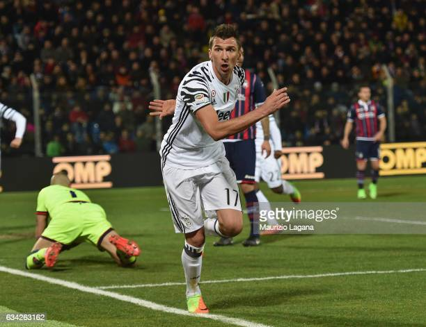 Mario Mandzukic of Juvents celebrates after scoring the opening goal during the Serie A match between FC Crotone and Juventus FC at Stadio Comunale...
