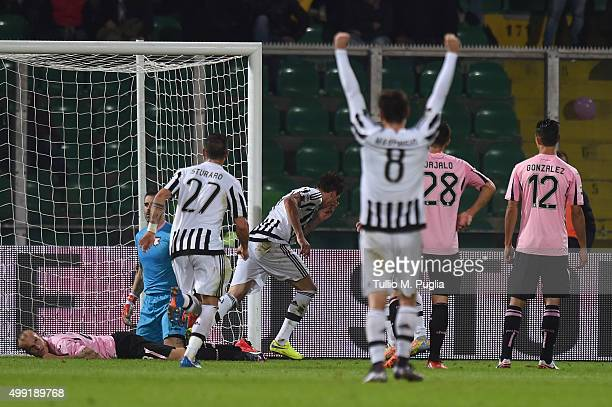 Mario Mandzukic of Juventus celebrates after scoring the opening goal during the Serie A match between US Citta di Palermo and Juventus FC at Stadio...