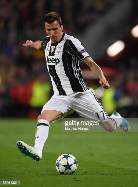 Mario Mandzukic of Juventus controls the ball during the UEFA Champions League Quarter Final second leg match between FC Barcelona and Juventus at...