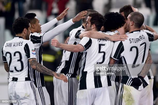 Mario Mandzukic of Juventus FC celebrates with his teammates after Lukasz Skorupski of Empoli FC own goal during the Serie A football match between...