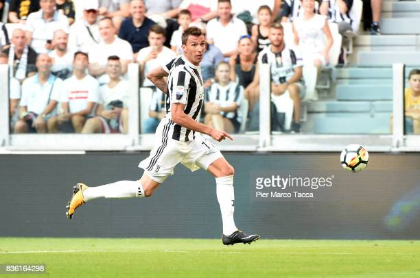 Mario Mandzukic of Juventus FC in action during the Serie A match between Juventus and Cagliari Calcio at Allianz Stadium on August 19 2017 in Turin...