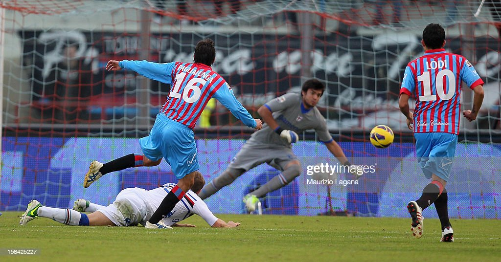 Mario Paglialunga of Catania scores the equalizing goal during the Serie A match between Calcio Catania and UC Sampdoria at Stadio Angelo Massimino on December 16, 2012 in Catania, Italy.