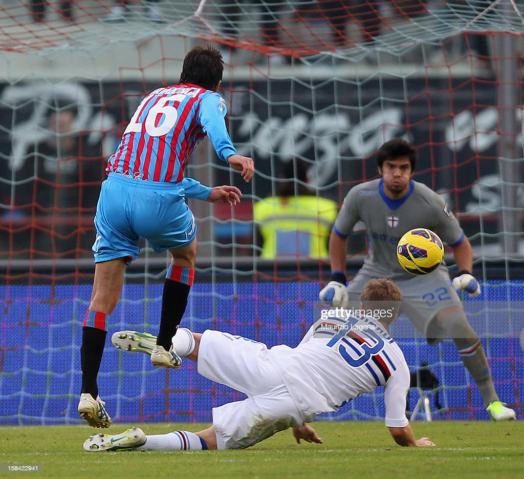 Mario Pietralunga of Catania scores the equalizing goal during the Serie A match between Calcio Catania and UC Sampdoria at Stadio Angelo Massimino on December 16, 2012 in Catania, Italy.