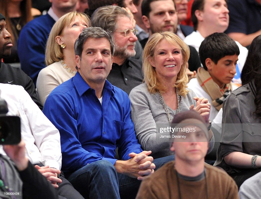 Mario Singer and Ramona Singer attend the Washington Wizards vs New York Knicks game at Madison Square Garden on January 24 2011 in New York City