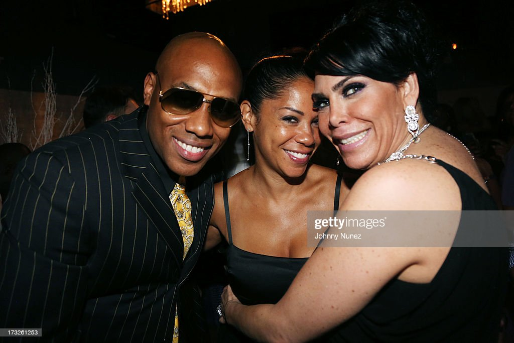 <a gi-track='captionPersonalityLinkClicked' href=/galleries/search?phrase=Mario+Winans&family=editorial&specificpeople=217272 ng-click='$event.stopPropagation()'>Mario Winans</a>, Joy Winans and <a gi-track='captionPersonalityLinkClicked' href=/galleries/search?phrase=Renee+Graziano&family=editorial&specificpeople=7643222 ng-click='$event.stopPropagation()'>Renee Graziano</a> attend <a gi-track='captionPersonalityLinkClicked' href=/galleries/search?phrase=Renee+Graziano&family=editorial&specificpeople=7643222 ng-click='$event.stopPropagation()'>Renee Graziano</a>'s Celebrity Dinner Party at Midtown 1015 on July 10, 2013 in New York City.