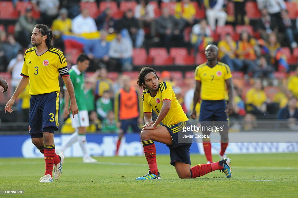 <a gi-track='captionPersonalityLinkClicked' href=/galleries/search?phrase=Mario+Yepes&family=editorial&specificpeople=648682 ng-click='$event.stopPropagation()'>Mario Yepes</a> from Colombia reacts during a match between Colombia and Bolivia for the third round of Group A of Copa America 2011 at Brigadier Estanislao Lopez Stadium on July 10, 2011 in Santa Fe, Argentina.