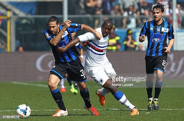 Mario Yepes of Atalanta BC competes with Stefano Chuka Okaka of UC Sampdoria during the Serie A match between Atalanta BC and UC Sampdoria at Stadio...