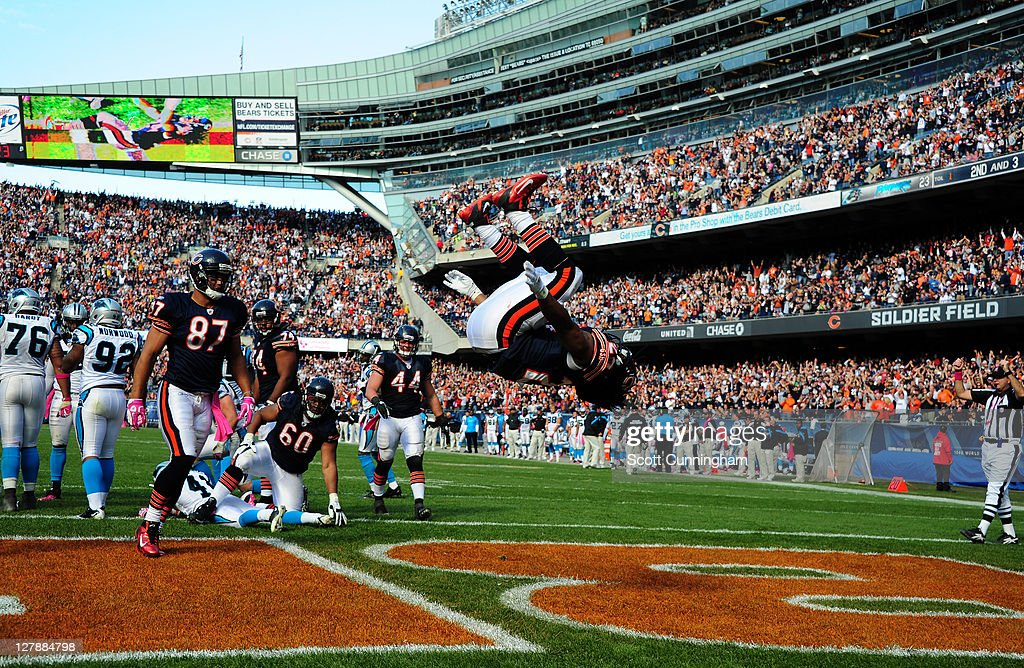 Marion Barber #24 of the Chicago Bears celebrates after scoring a touchdown against the Carolina Panthers at Soldier Field on October 2, 2011 in Chicago, Illinois.