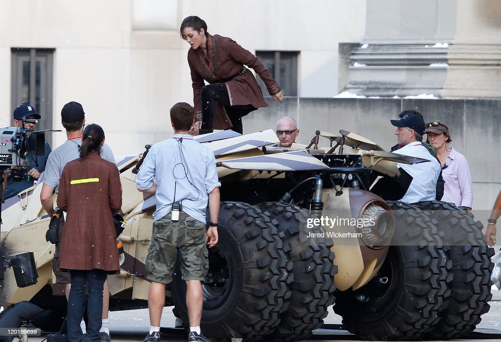 Marion Cotillard acts in a scene during filming of 'Batman: Dark Knight Rises' at the Mellon Institute building in the Oakland neighborhood of Pittsburgh, Pennsylvania on July 31, 2011.