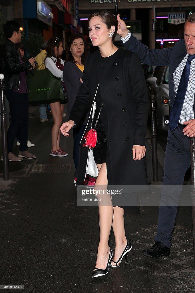Marion Cotillard arrives at a 'Dior' dinner on July 7, 2014 in Paris, France.