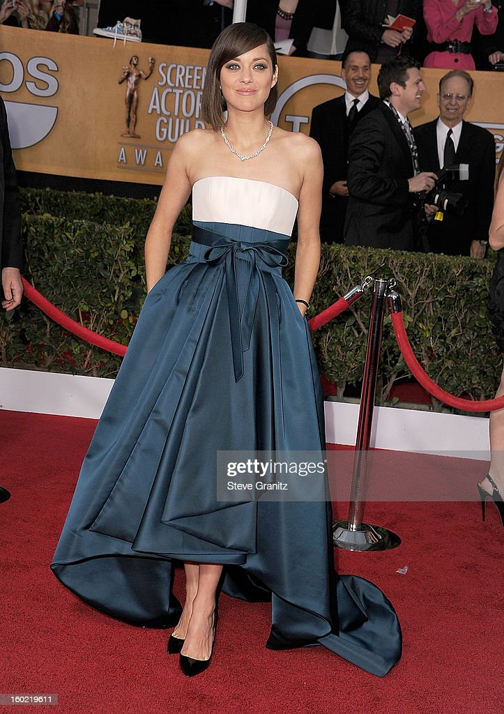 Marion Cotillard arrives at the 19th Annual Screen Actors Guild Awards at The Shrine Auditorium on January 27, 2013 in Los Angeles, California.