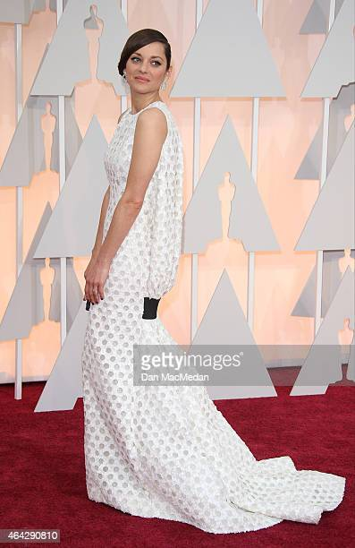 Marion Cotillard arrives at the 87th Annual Academy Awards at Hollywood Highland Center on February 22 2015 in Los Angeles California