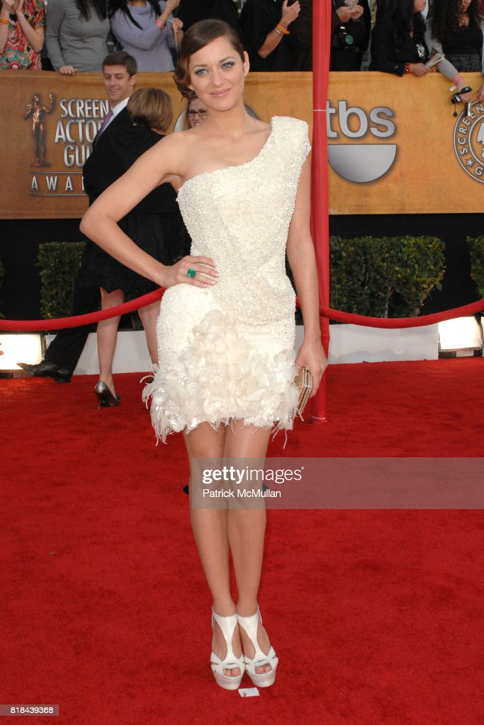 Marion Cotillard attends 16th Annual Screen Actors Guild Awards - Arrivals at Shrine Auditorium on January 23, 2010 in Los Angeles, California.