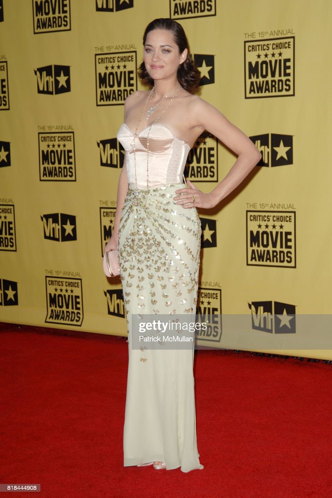 Marion Cotillard attends 2010 Critics Choice Awards at The Palladium on January 15, 2010 in Hollywood, California.