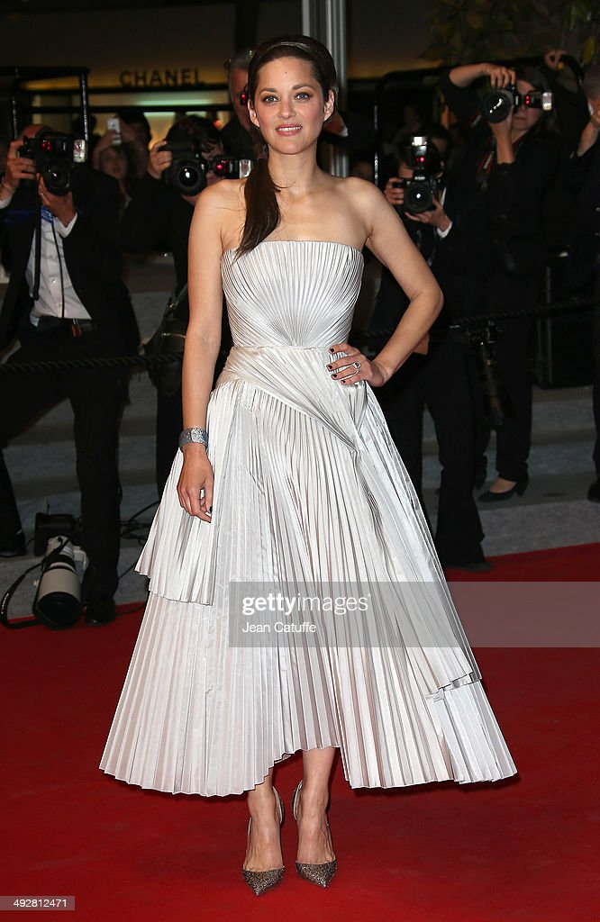 <a gi-track='captionPersonalityLinkClicked' href=/galleries/search?phrase=Marion+Cotillard&family=editorial&specificpeople=215303 ng-click='$event.stopPropagation()'>Marion Cotillard</a> attends 'L'Homme Qu'On Aimait Trop' premiere during the 67th Annual Cannes Film Festival on May 21, 2014 in Cannes, France.