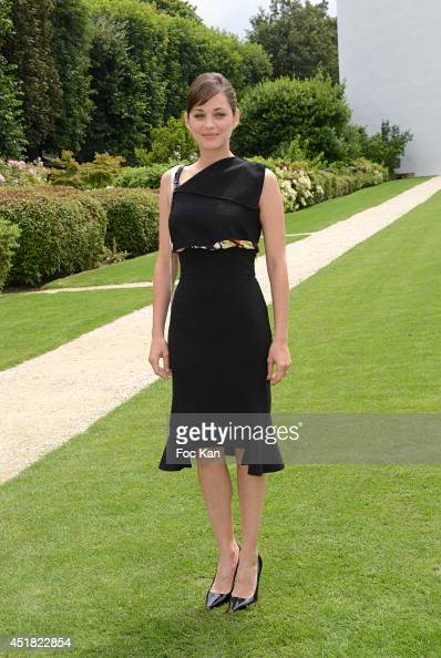 Marion Cotillard attends the Christian Dior Show as part of Paris Fashion Week Haute Couture Fall/Winter 20142015 at Musee Rodin on July 7 2014 in...