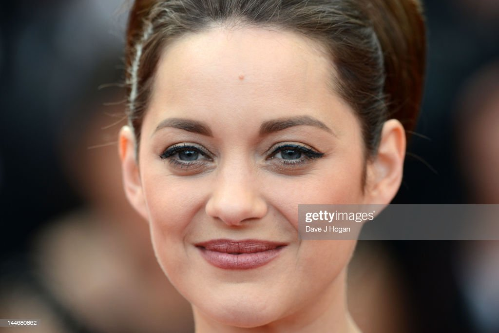 <a gi-track='captionPersonalityLinkClicked' href=/galleries/search?phrase=Marion+Cotillard&family=editorial&specificpeople=215303 ng-click='$event.stopPropagation()'>Marion Cotillard</a> attends the 'De Rouille et D'os' Premiere during the 65th Annual Cannes Film Festival at Palais des Festivals on May 17, 2012 in Cannes, France.