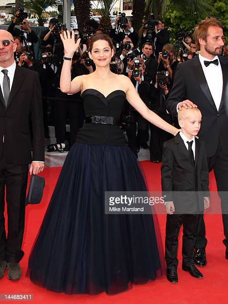 Marion Cotillard attends the 'De Rouille et D'os' Premiere during the 65th Annual Cannes Film Festival at the Palais des Festivals on May 17 2012 in...