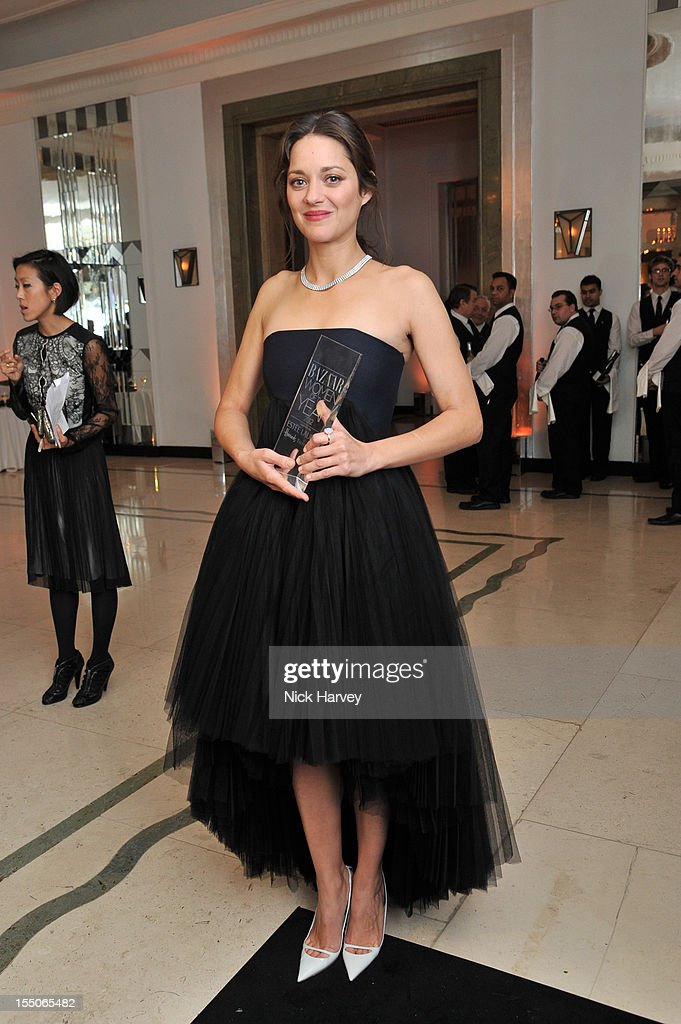 <a gi-track='captionPersonalityLinkClicked' href=/galleries/search?phrase=Marion+Cotillard&family=editorial&specificpeople=215303 ng-click='$event.stopPropagation()'>Marion Cotillard</a> attends the Harper's Bazaar Woman of the Year Awards at Claridge's Hotel on October 31, 2012 in London, England.