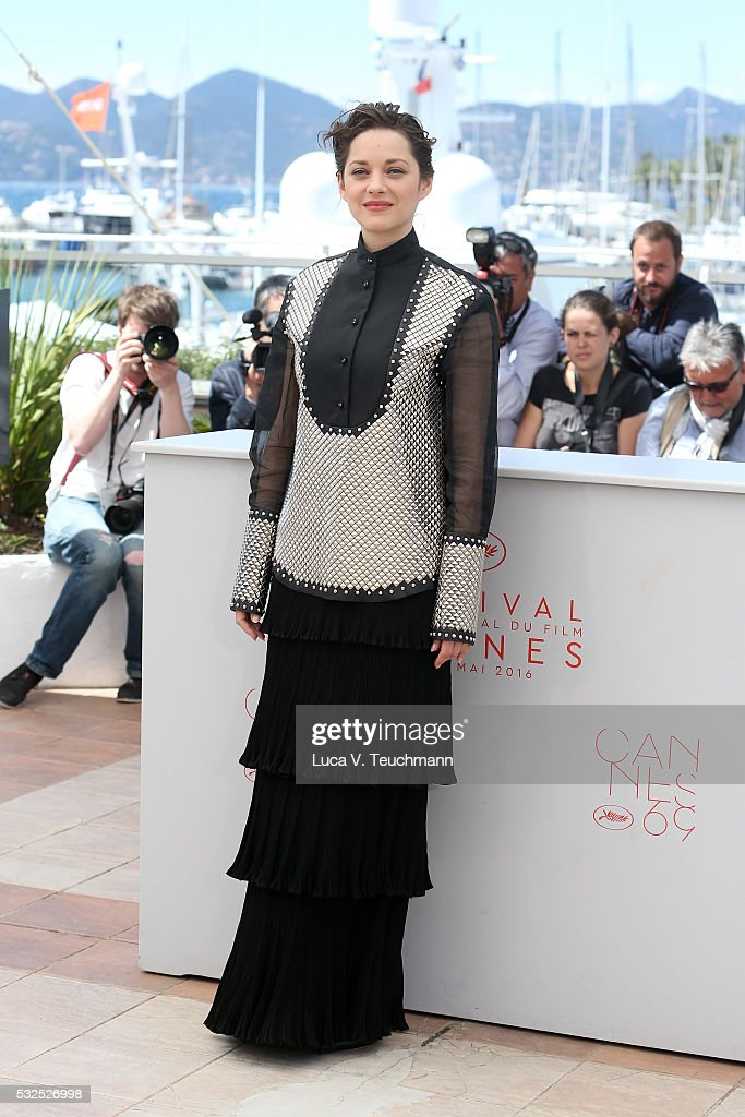 Marion Cotillard attends the 'It's Only The End Of The World (Juste La Fin Du Monde)' Photocall during the 69th annual Cannes Film Festival at the Palais des Festivals on May 19, 2016 in Cannes, France.