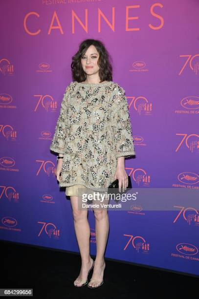 Marion Cotillard attends the Opening Gala dinner during the 70th annual Cannes Film Festival at Palais des Festivals on May 17 2017 in Cannes France