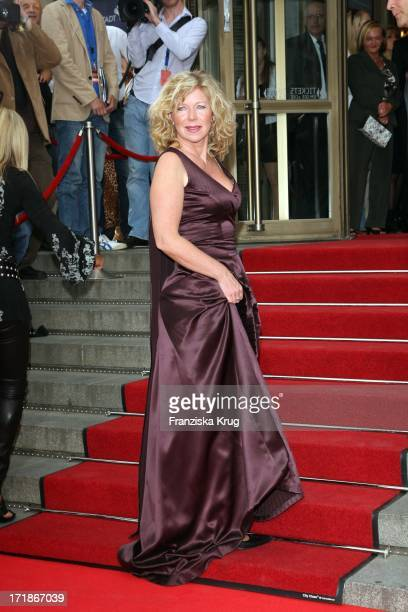 Marion Kracht In The anniversary gala to '25 Years of New FriedrichstadtPalast' In Berlin