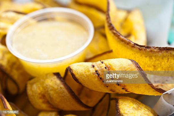 Mariquitas (fried sliced plantain chips)