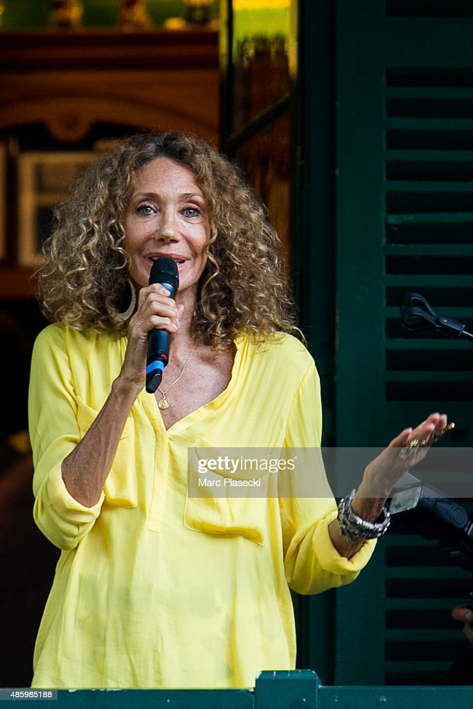 Marisa Berenson attends the 2Oth 'La Foret des Livres' book fair on August 30, 2015 in Chanceaux-pres-Loches, France.