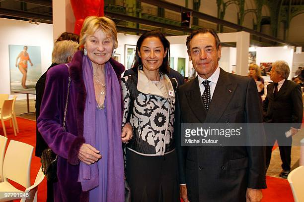 Marisa BruniTedeschi and MMe Lindsay OwenJones attend the Association 'Dessine l'Espoir' Charity Dinner during Art Paris Exhibition Launch at Grand...