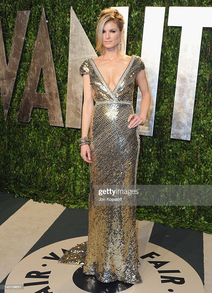 Marisa Miller arrives at the 2012 Vanity Fair Oscar Party at Sunset Tower on February 26, 2012 in West Hollywood, California.