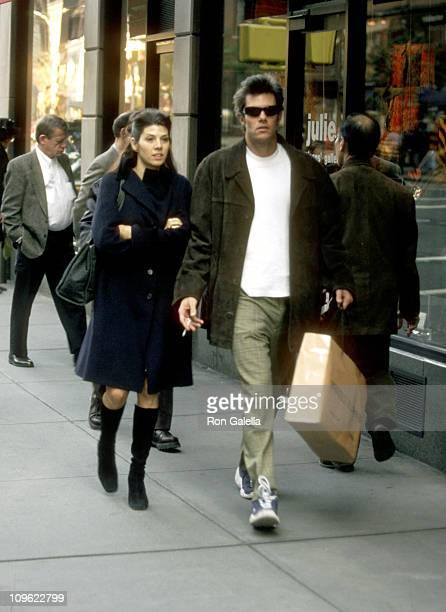 Marisa Tomei and Boyfriend during Marisa Tomei Shopping on Madison Avenue October 20 1997 at Madison Avenue in New York City New York United States