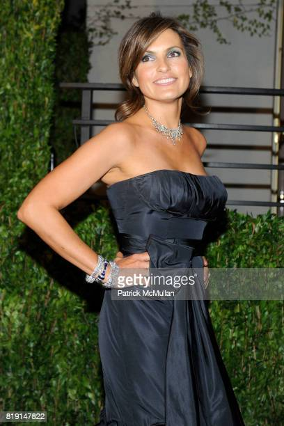 Mariska Hargitay attends VANITY FAIR Oscar Party ARRIVALS at Sunset Tower Hotel on March 7 2010 in West Hollywood California