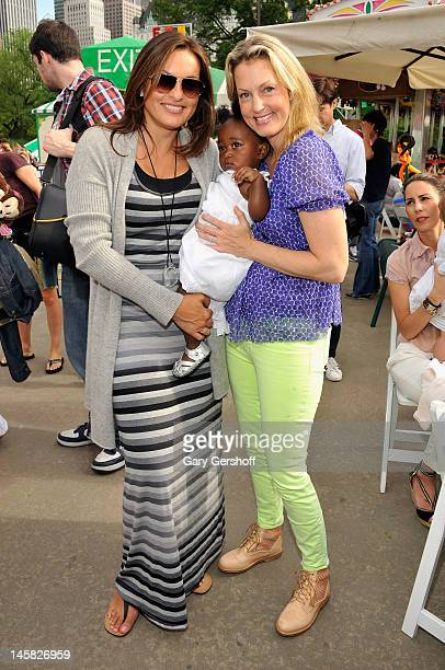Mariska Harigtay daughter Amaya Hermann and Ali Wentworth attend the 2012 Baby Buggy Bedtime Bash hosted by Jessica And Jerry Seinfeld on June 6 2012...