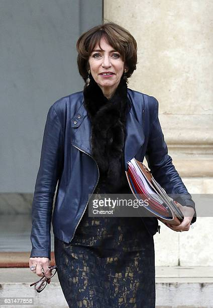Marisol Touraine French minister for Social Affairs and health leaves the Elysee Presidential Presidential Palace after a weekly cabinet meeting on...
