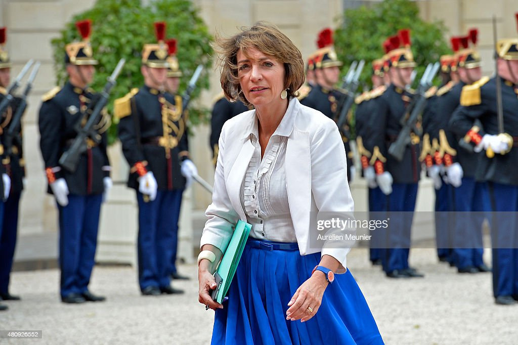 <a gi-track='captionPersonalityLinkClicked' href=/galleries/search?phrase=Marisol+Touraine&family=editorial&specificpeople=4398004 ng-click='$event.stopPropagation()'>Marisol Touraine</a>, French Minister of Social Affairs for a strategic meeting with French President Francois Hollande and Mexican President Enrique Pena Nieto at Elysee Palace on July 16, 2015 in Paris, France. They will talk about the universel abolition of the death penalty and their cooperation to maintain world peace.