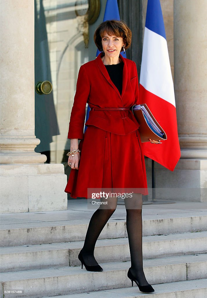<a gi-track='captionPersonalityLinkClicked' href=/galleries/search?phrase=Marisol+Touraine&family=editorial&specificpeople=4398004 ng-click='$event.stopPropagation()'>Marisol Touraine</a>, French Minister of Social Affairs leaves after a weekly cabinet meeting at the Elysee Presidential Palace on May 04, 2016 in Paris, France.