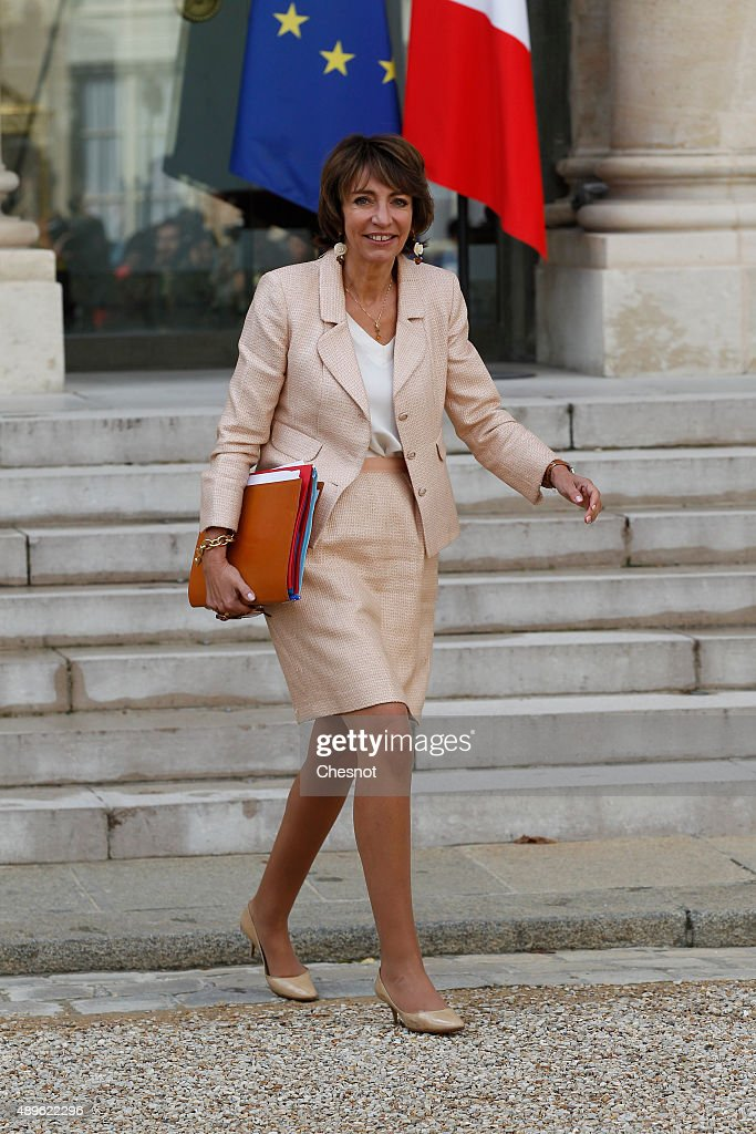 <a gi-track='captionPersonalityLinkClicked' href=/galleries/search?phrase=Marisol+Touraine&family=editorial&specificpeople=4398004 ng-click='$event.stopPropagation()'>Marisol Touraine</a>, French Minister of Social Affairs leaves after the Cabinet Meeting at the Elysee Palace on September 23, 2015 in Paris, France.