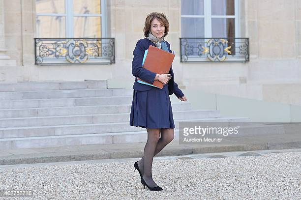 Marisol Touraine French Minister of Social Affairs leaves the Elysee Palace after the weekly cabinet meeting at Elysee Palace on February 4 2015 in...