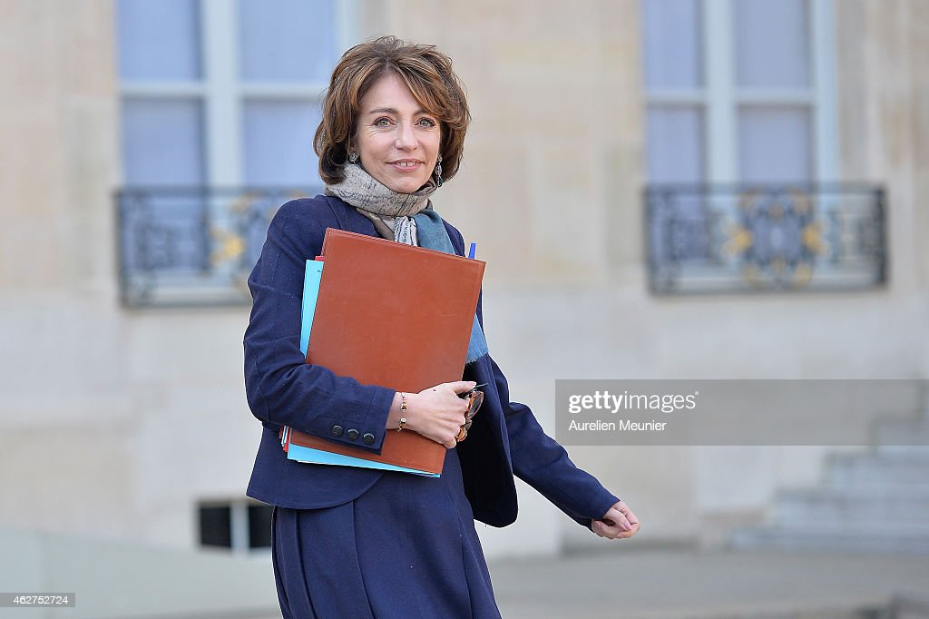 <a gi-track='captionPersonalityLinkClicked' href=/galleries/search?phrase=Marisol+Touraine&family=editorial&specificpeople=4398004 ng-click='$event.stopPropagation()'>Marisol Touraine</a>, French Minister of Social Affairs leaves the Elysee Palace after the weekly cabinet meeting at Elysee Palace on February 4, 2015 in Paris, France.