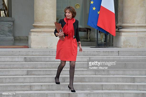 Marisol Touraine French Minister of Social Affairs leaves the Elysee Palace after the weekly cabinet meeting on March 19 2015 in Paris France
