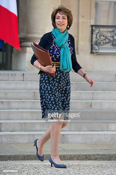 Marisol Touraine French Minister of Social Affairs leaves the Elysee Palace after the weekly cabinet meeting on April 8 2015 in Paris France French...