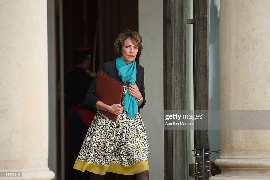 <a gi-track='captionPersonalityLinkClicked' href=/galleries/search?phrase=Marisol+Touraine&family=editorial&specificpeople=4398004 ng-click='$event.stopPropagation()'>Marisol Touraine</a>, French Minister of Social Affairs leaves the Elysee Palace after the weekly cabinet meeting on April 29, 2015 in Paris, France.