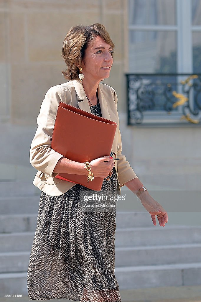 <a gi-track='captionPersonalityLinkClicked' href=/galleries/search?phrase=Marisol+Touraine&family=editorial&specificpeople=4398004 ng-click='$event.stopPropagation()'>Marisol Touraine</a>, French Minister Social Affairs leaves the Elysee Palace after the weekly cabinet meeting on August 26, 2015 in Paris, France.
