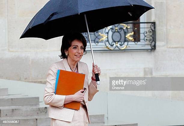 Marisol Touraine Minister of Social Affairs leaves after a cabinet meeting at the Elysee Palace on May 21 2014 in Paris France