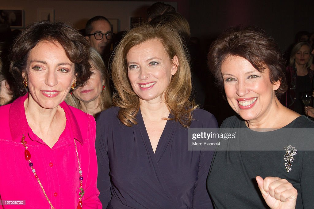 Marisol Touraine, <a gi-track='captionPersonalityLinkClicked' href=/galleries/search?phrase=Valerie+Trierweiler&family=editorial&specificpeople=8534231 ng-click='$event.stopPropagation()'>Valerie Trierweiler</a> and <a gi-track='captionPersonalityLinkClicked' href=/galleries/search?phrase=Roselyne+Bachelot&family=editorial&specificpeople=2369544 ng-click='$event.stopPropagation()'>Roselyne Bachelot</a> attend the LINK dinner for AIDS '100 photographes se mobilisent contre le Sida' at Grand Palais on November 27, 2012 in Paris, France.
