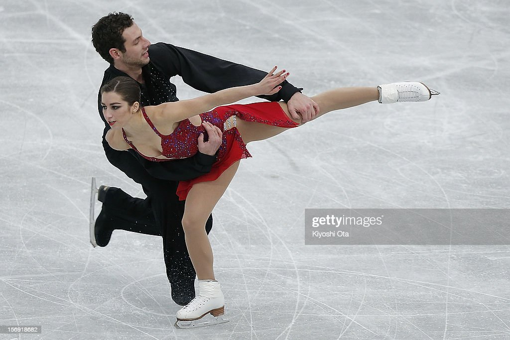 Marissa Castelli and Simon Shnapir of the United States compete in the Pairs Free Skating during day three of the ISU Grand Prix of Figure Skating NHK Trophy at Sekisui Heim Super Arena on November 25, 2012 in Rifu, Japan.